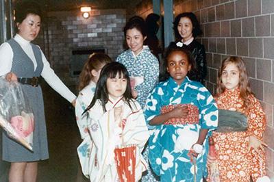 日本舞踊を大学やボランテイア協会で披露