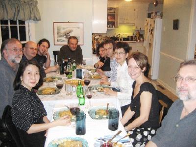EVMSの教授方と共に、ロナート教授(右から4人目)宅にて